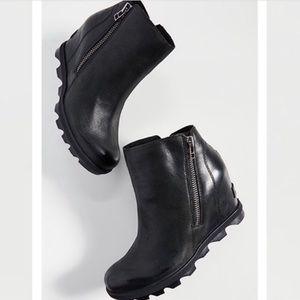 Sorel Joan of arctic wedge II zip boots boots 8.5